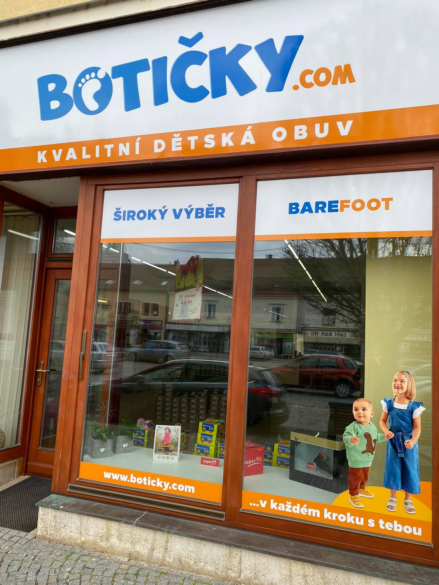 kamenná prodejna dětské obuvi v Kyjově